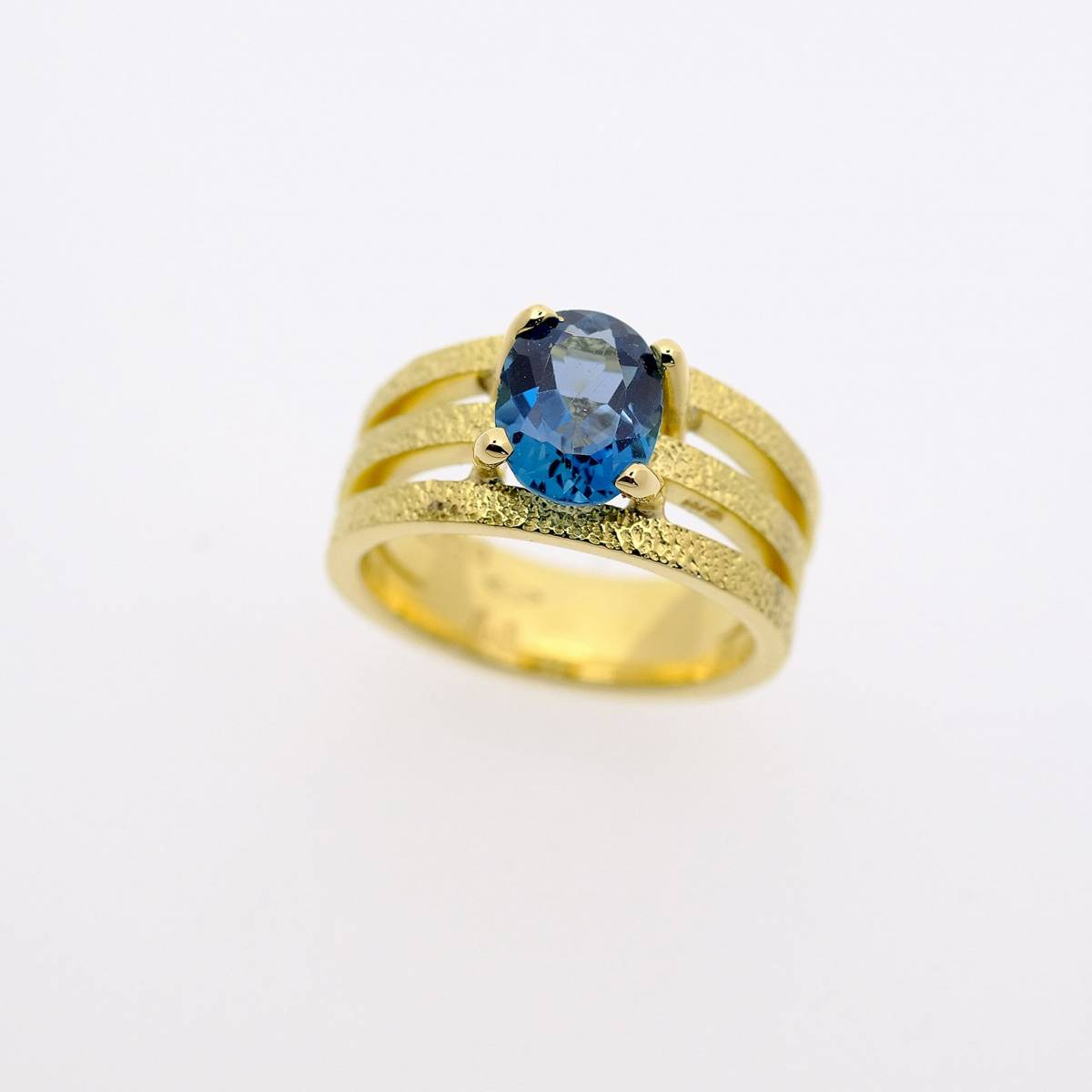 Jonas Maes Jewels - Juwelen - Bruidsjuwelen - Verlovingsring - Trouwring - House of Weddings - 26