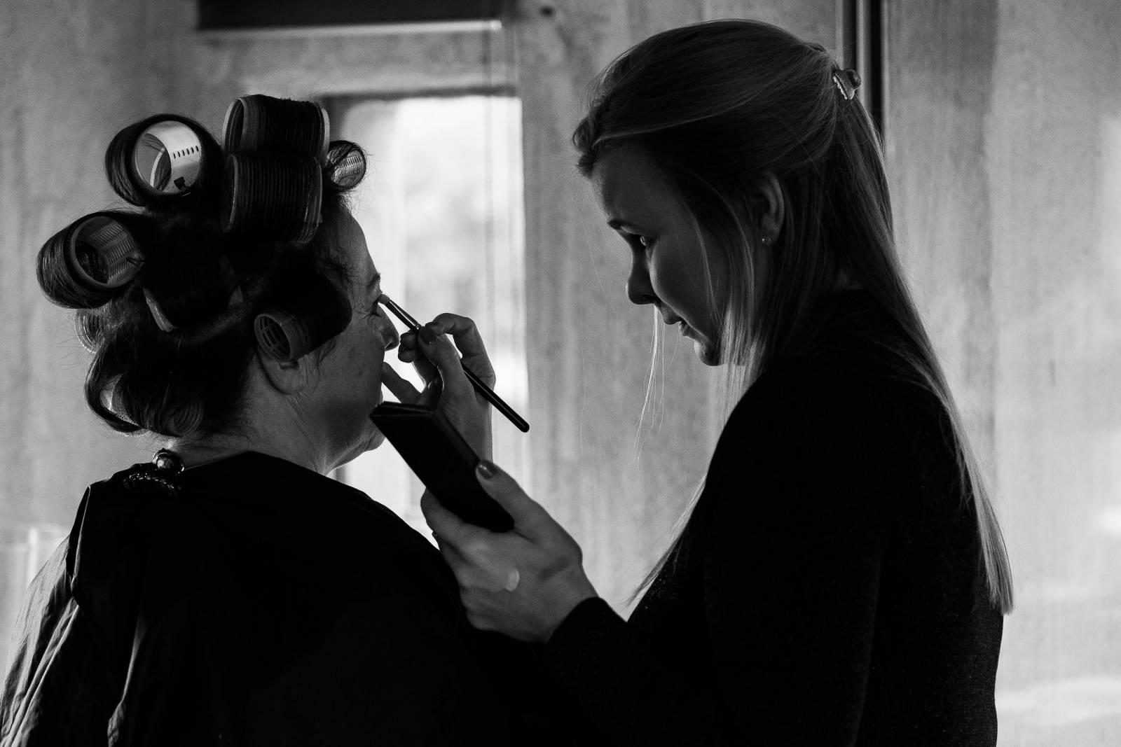 Lauren Bracke - Bruidsmake-up - Bruidskapsel - Nagels - House of Weddings - 1