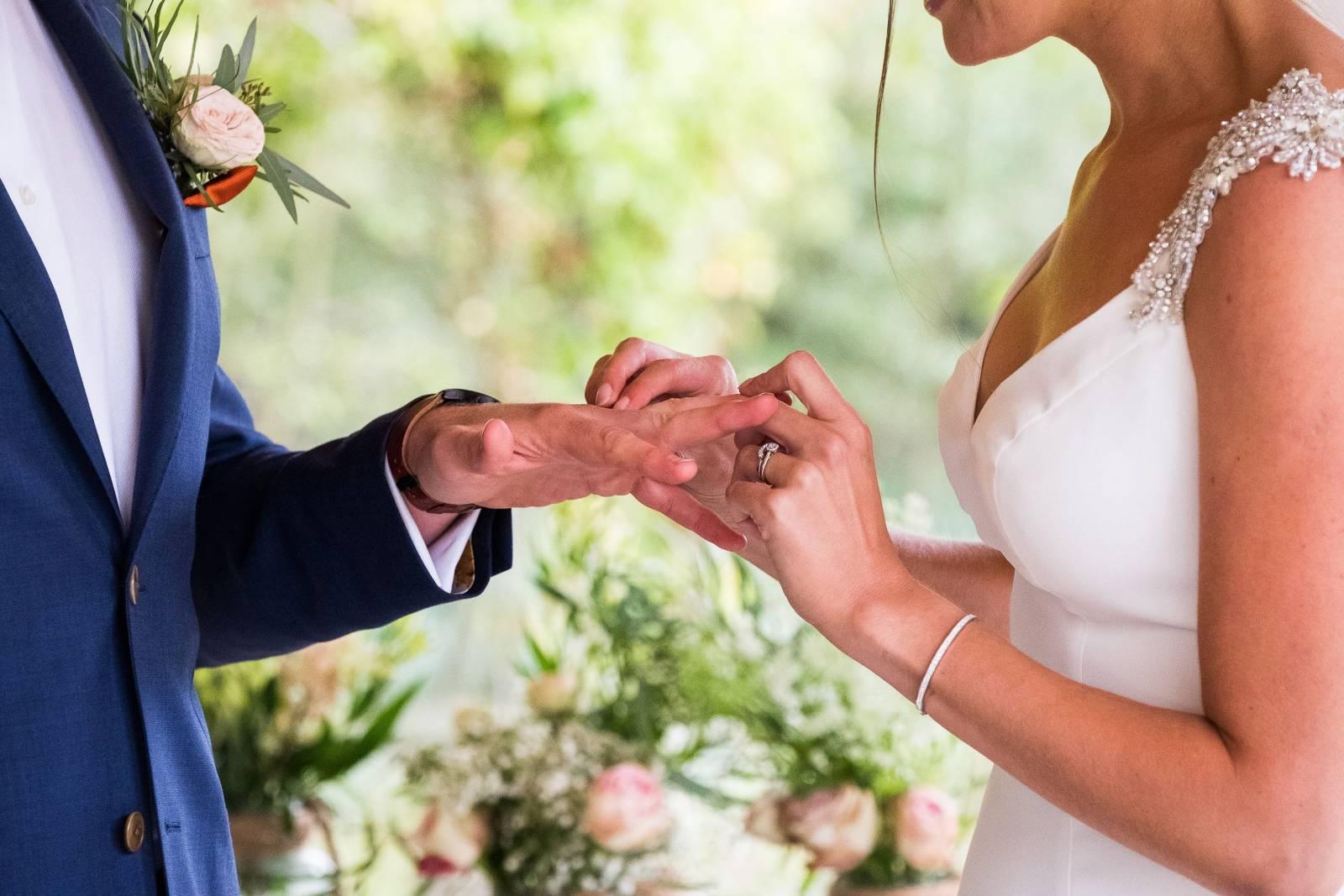 Lauren Bracke - Bruidsmake-up - Bruidskapsel - Nagels - House of Weddings - 2
