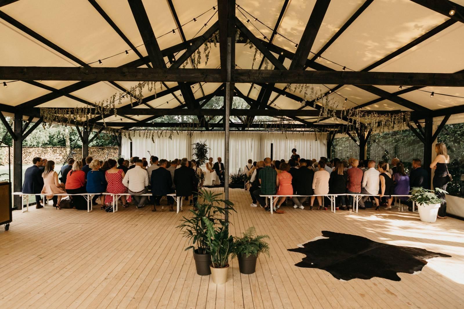 Tine De Donder - Huwelijksceremonie - Ceremoniespreker - Mathias Hannes - House of Weddings 15