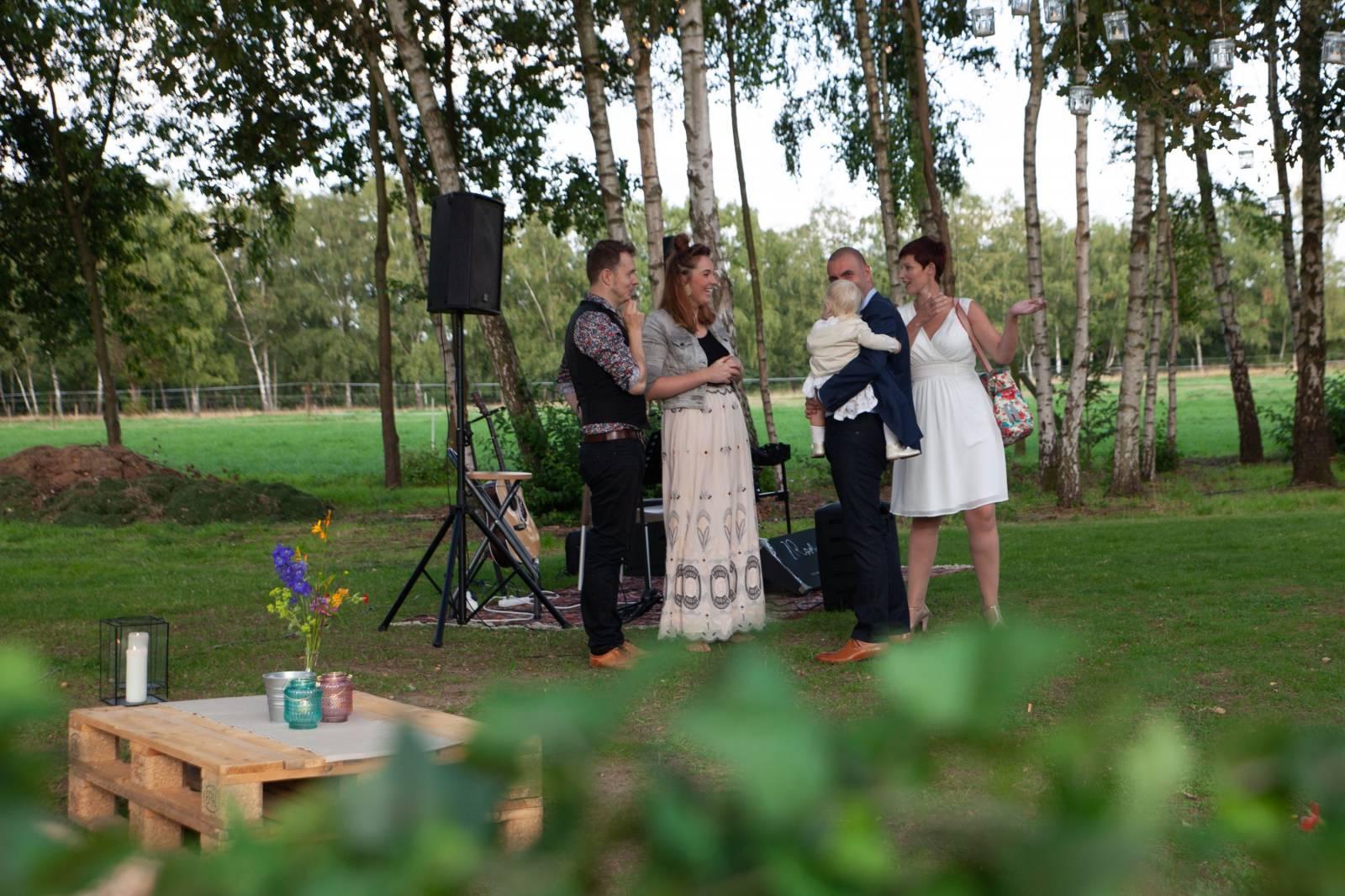 2 R O M A N C E | Band  - House of Weddings - 8