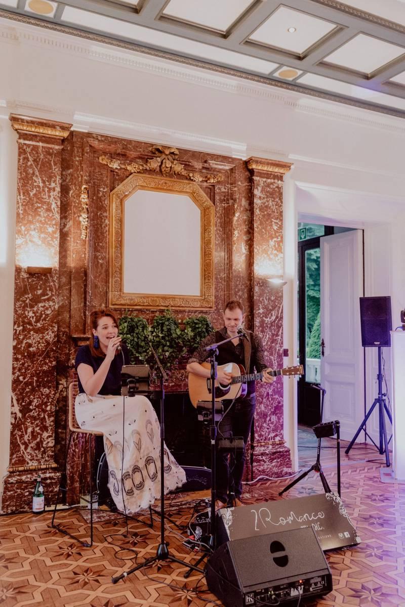 2 R O M A N C E | Band  - House of Weddings - 9