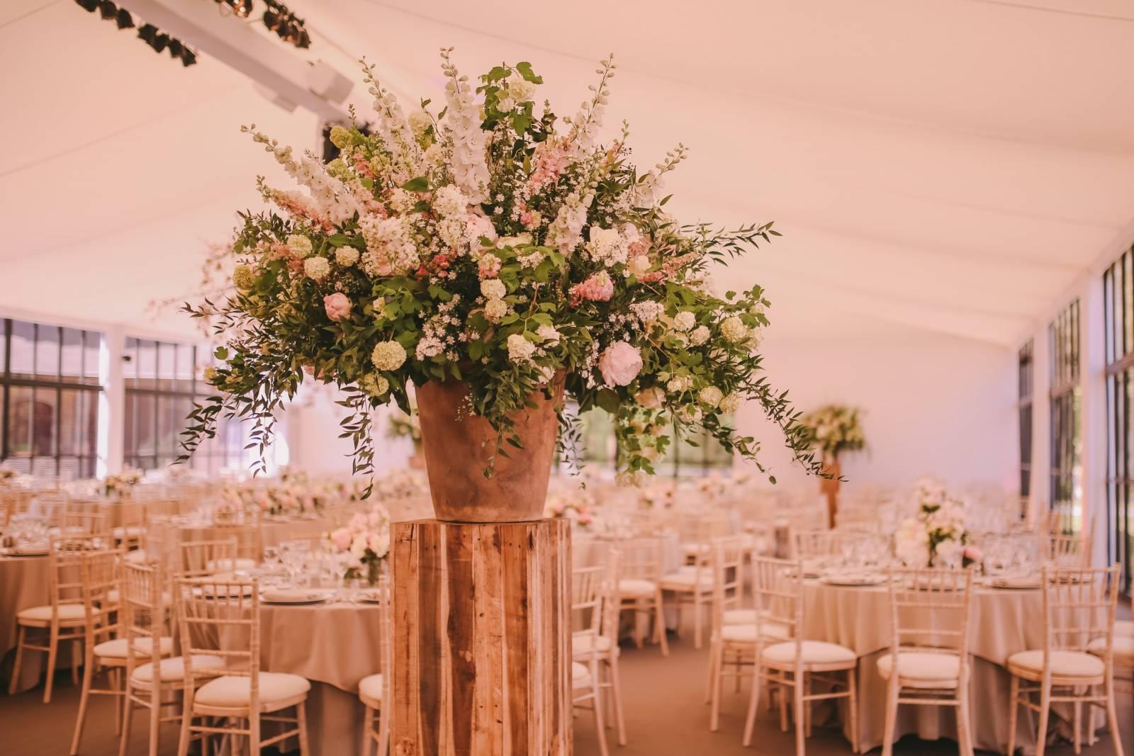 Annick Van Wesemael Bloemen Huwelijk Oost-Vlaanderen - Charlotte the Eclectics - House of Weddings (4)