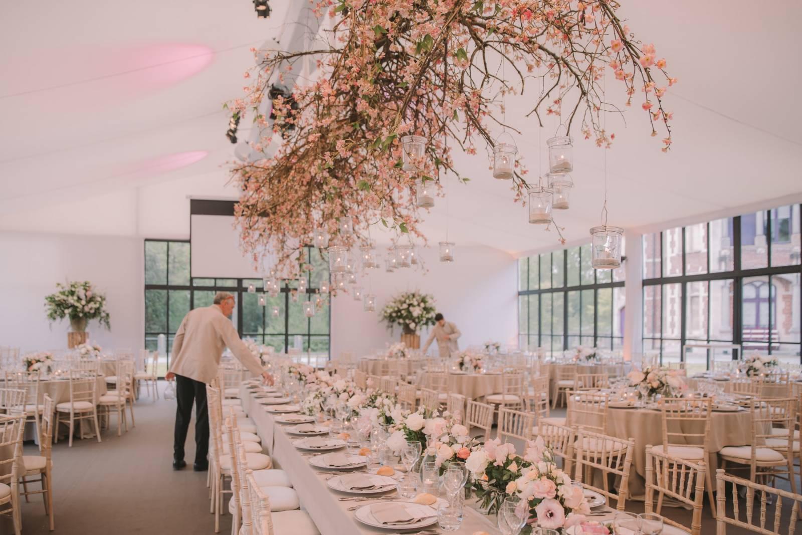 Annick Van Wesemael Bloemen Huwelijk Oost-Vlaanderen - Charlotte the Eclectics - House of Weddings (6)