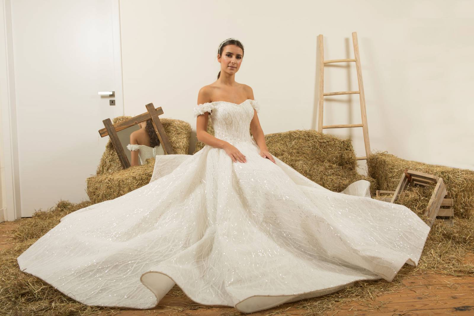 Atelier ExC - Trouwjurken - Bruidsjurken - Bruidswinkel - Bruidsmodewinkel - House of Weddings - 34