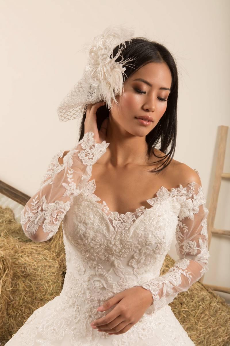 Atelier ExC - Trouwjurken - Bruidsjurken - Bruidswinkel - Bruidsmodewinkel - House of Weddings - 40