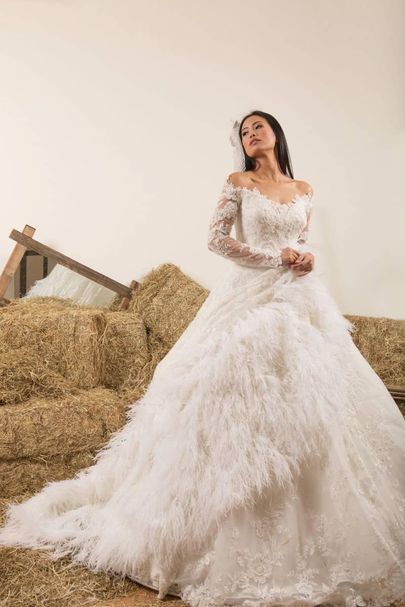 Atelier ExC - Trouwjurken - Bruidsjurken - Bruidswinkel - Bruidsmodewinkel - House of Weddings - 43