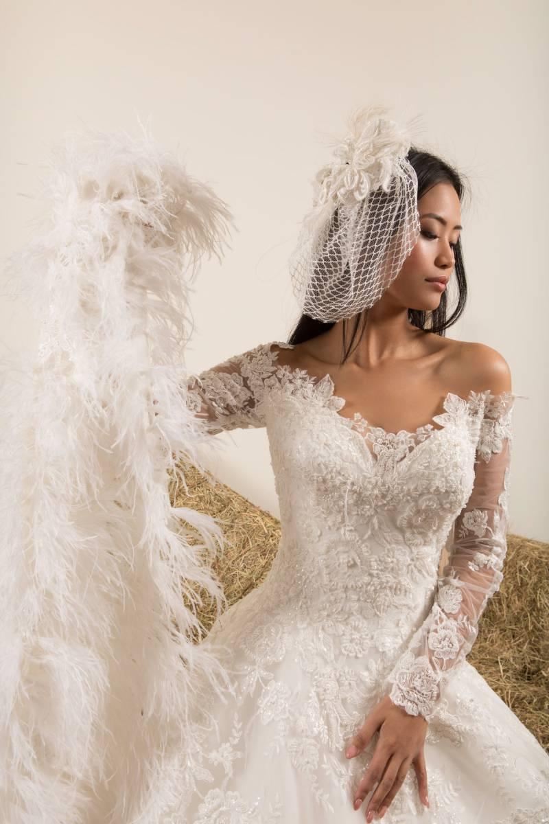 Atelier ExC - Trouwjurken - Bruidsjurken - Bruidswinkel - Bruidsmodewinkel - House of Weddings - 46
