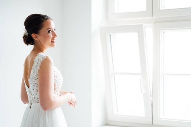 Be a Pineapple Hair and Make up - nuptiasphotography - House of Weddings - 1