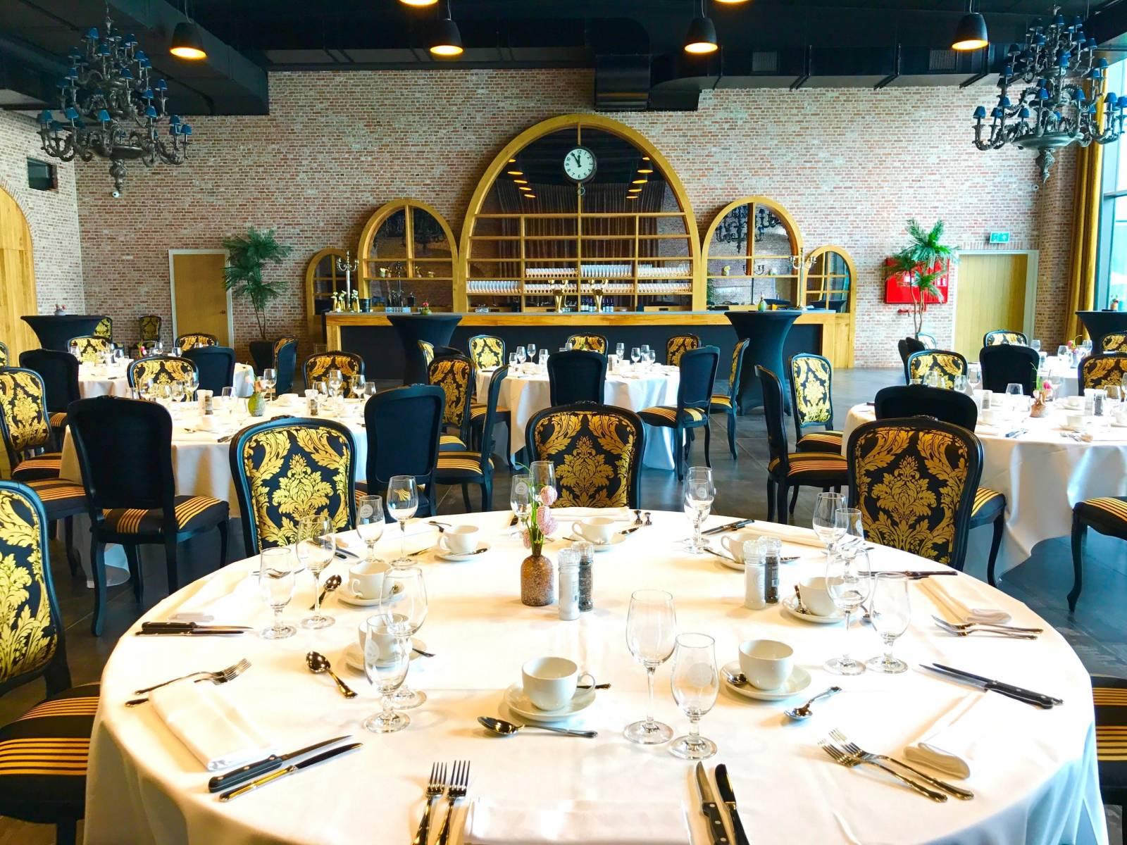 Bierkasteel House of Weddings Feestzaal West Vlaanderen grote capaciteit izegem ceremonie dansfeest exclusief huwelijk (14)