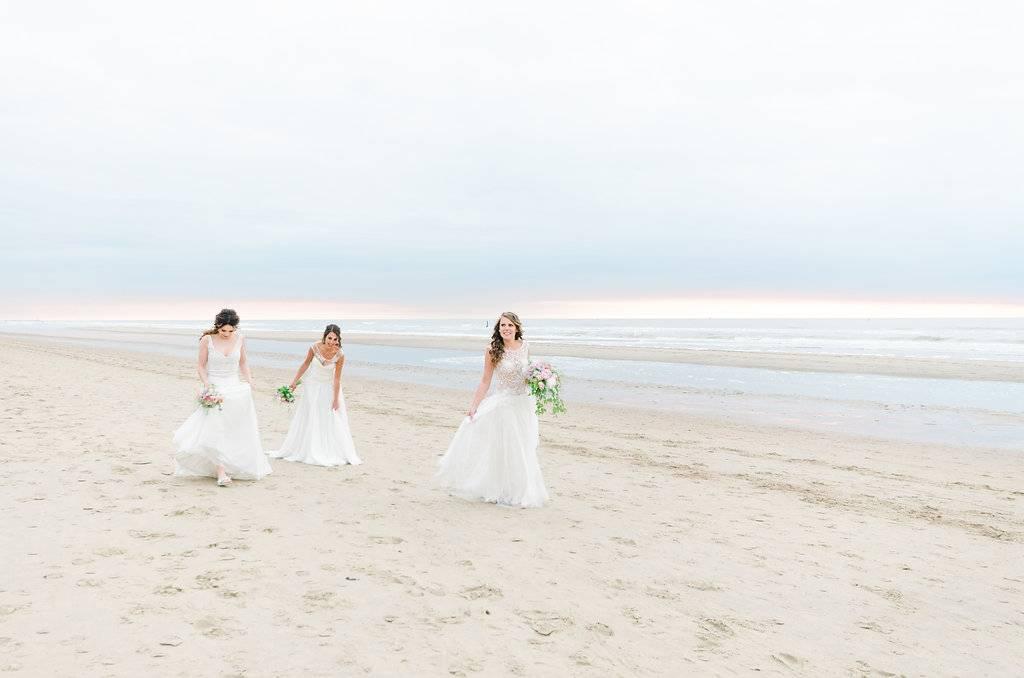 Botticelli inspired shoot - Belgium - Italy - beach 11