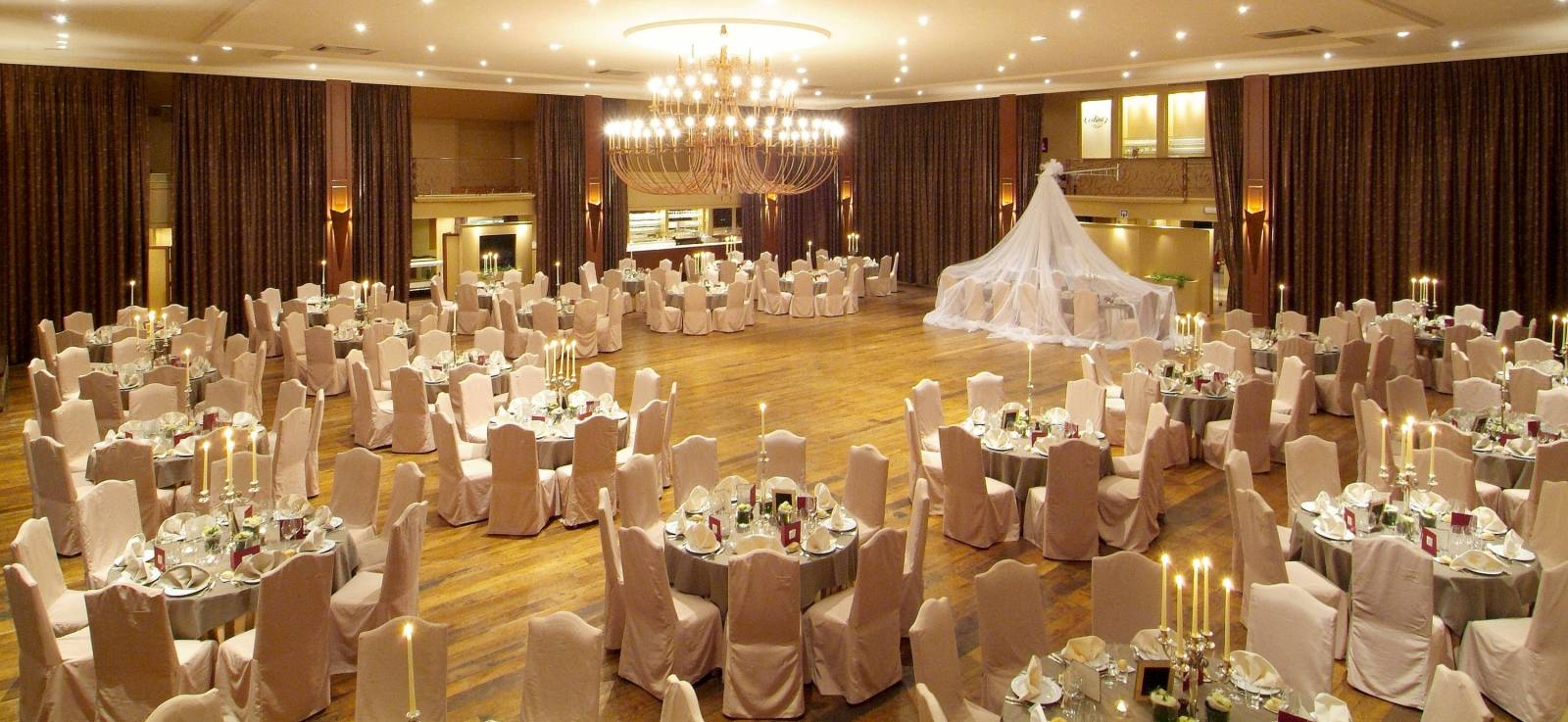 Cortina Wevelgem - Feestzaal - House of Weddings (5)