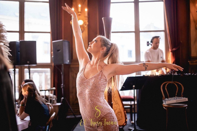 Dansschool LEEZA - Animatie - Dans - House of Weddings - 1