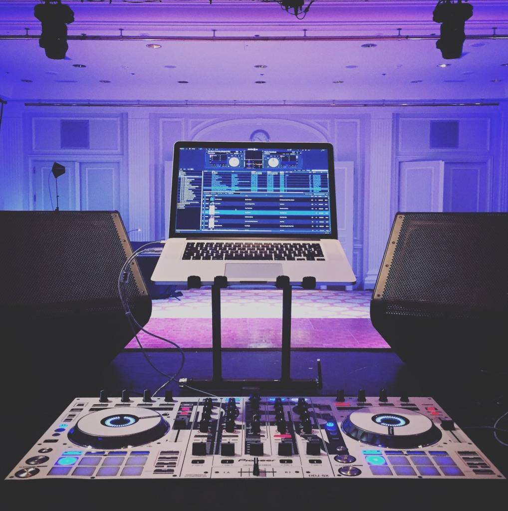 DJ Destin - House of Weddings-06