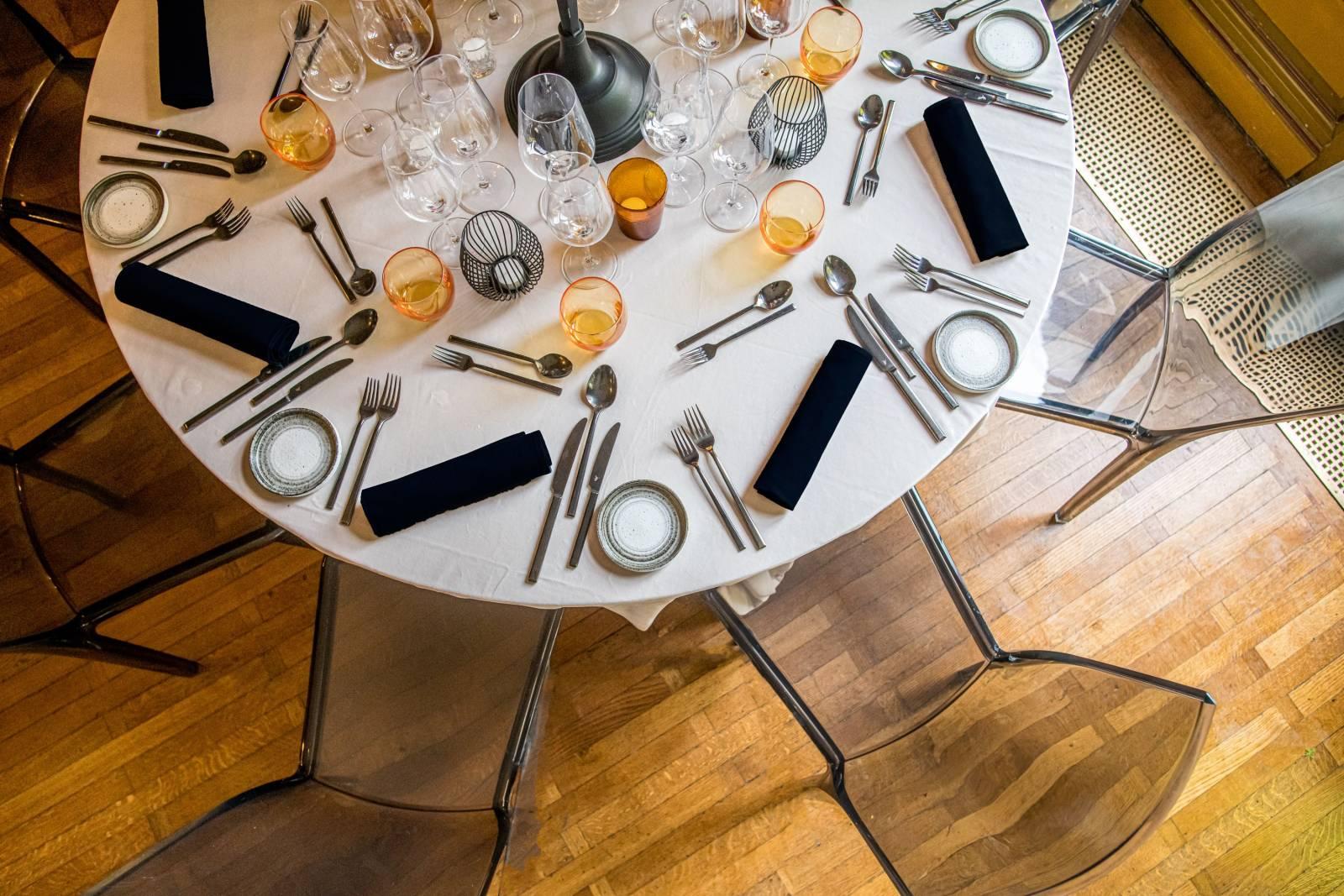 Events Factory 5 - Stork zwart - nap velours - kandelaar - servet zwart - vinophil - gobelet oranje - zwart venade - splendido - p naessens (2)