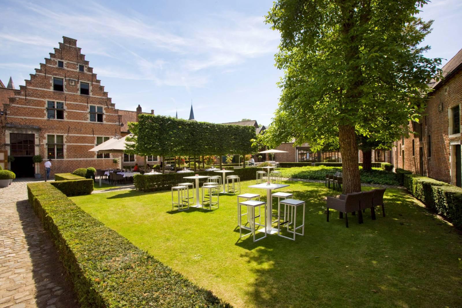 Faculty Club rustieke historische feestzaal  (26) (Custom)