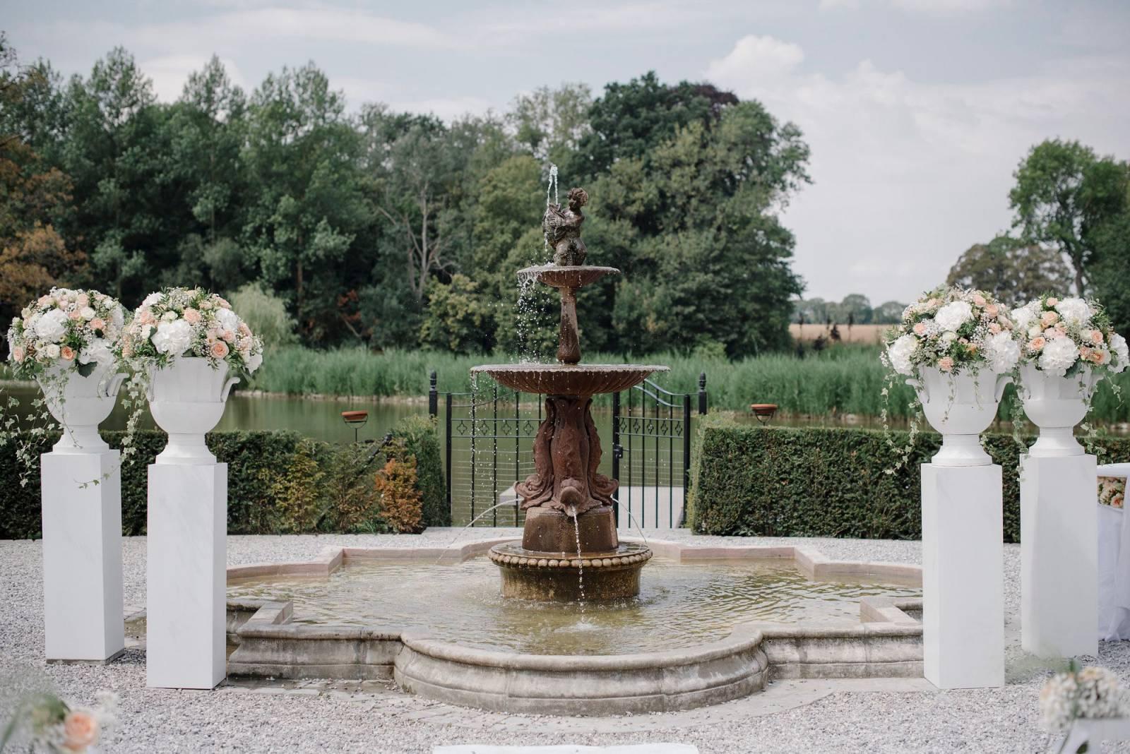 Floral Artists - Bloemen huwelijk trouw bruiloft - Bruidsboeket - Bloemendecoratie - House of Weddings - 11