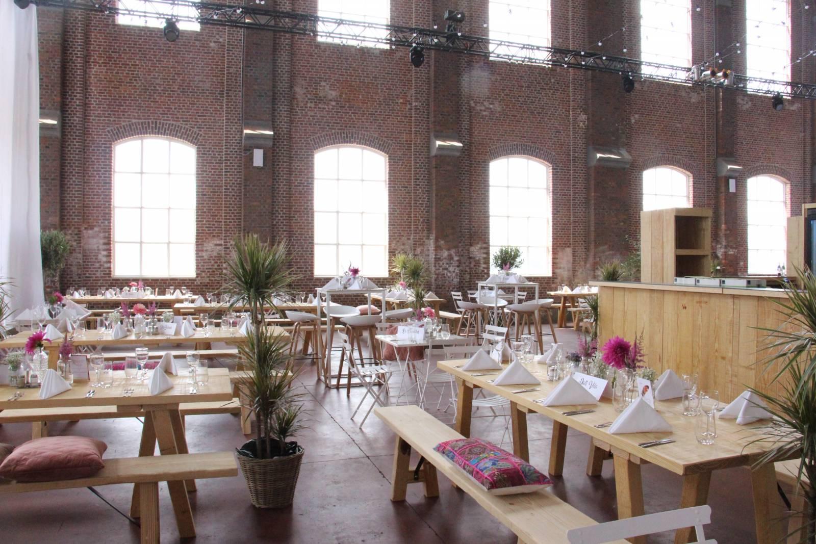 Hangar 43 - Feestzaal Oost-Vlaanderen - Industrieel - House of Weddings - 17