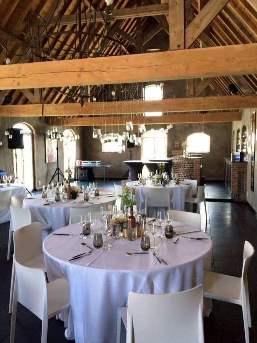 House of Weddings Domein t Eikennest Feestzaal West-Vlaanderen Diksmuide Beerst Tuin Park Vijver Tent Ceremonie Schuur pold (32)