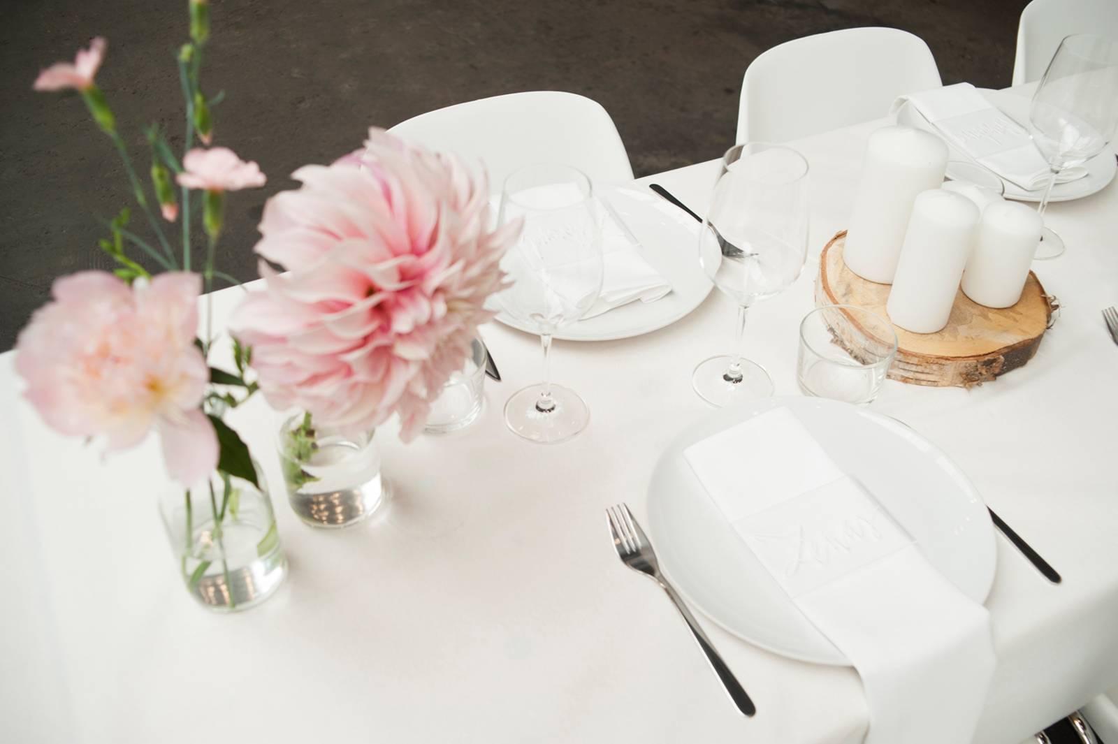 House of Weddings Firma Cantina Feestzaal Wedding Venue Huwelijk Brussel industrieel fabriek ceremonie receptie walking dinner (1)