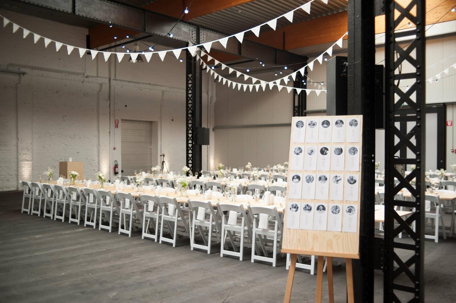House of Weddings Firma Cantina Feestzaal Wedding Venue Huwelijk Brussel industrieel fabriek ceremonie receptie walking dinner (18)