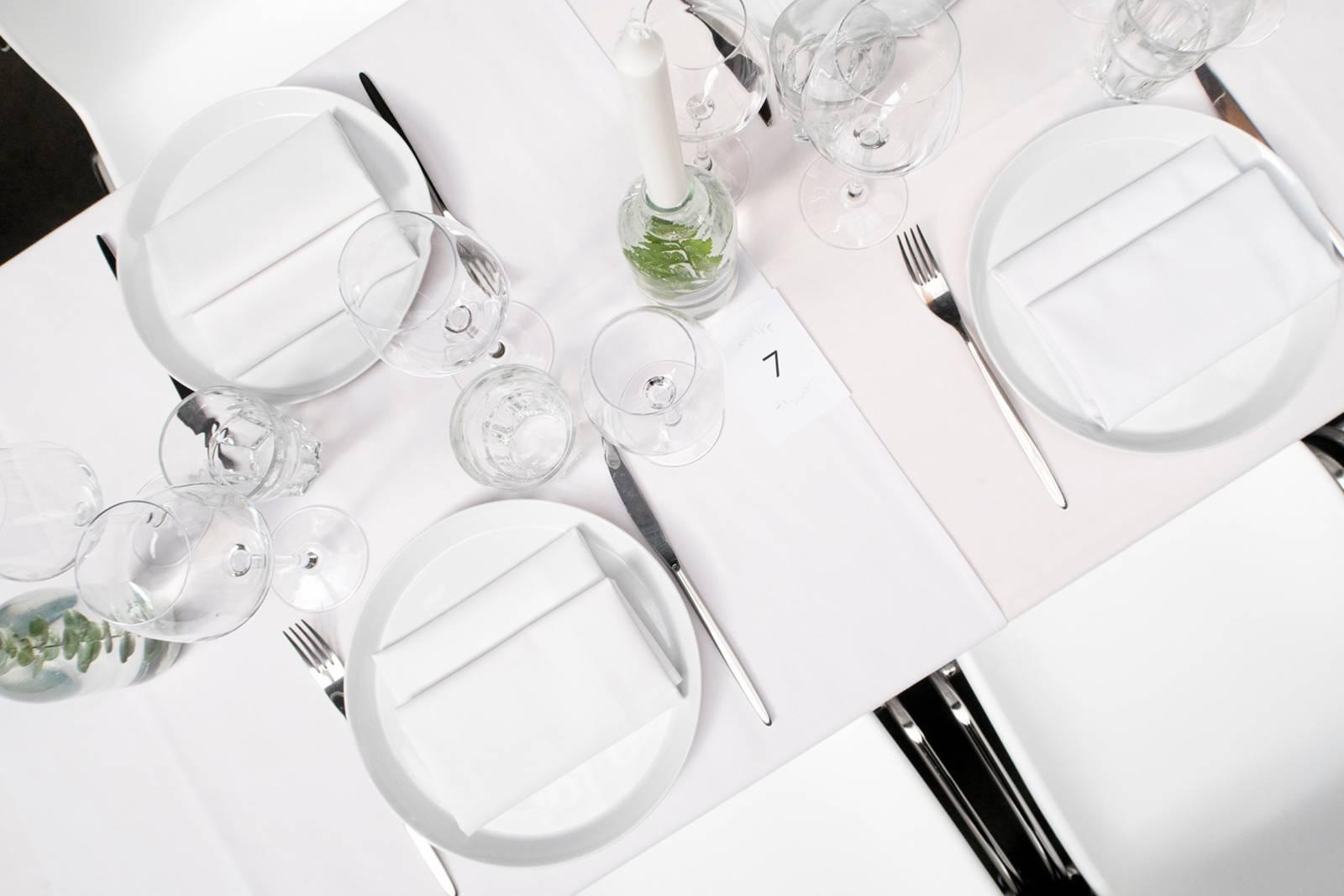 House of Weddings Firma Cantina Feestzaal Wedding Venue Huwelijk Brussel industrieel fabriek ceremonie receptie walking dinner (22)