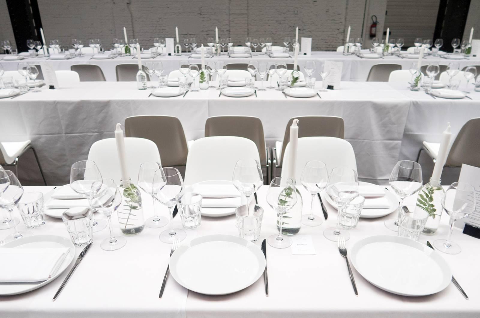 House of Weddings Firma Cantina Feestzaal Wedding Venue Huwelijk Brussel industrieel fabriek ceremonie receptie walking dinner (23)