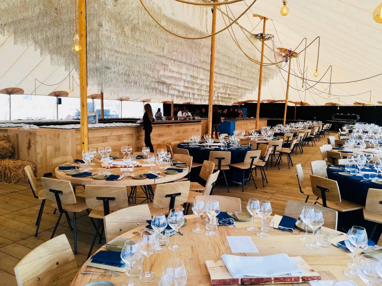 Houtambacht - Eiken Stamtafel - Decoratie - Verhuur materiaal - Huwelijk Trouw Bruiloft - House of Weddings - 21