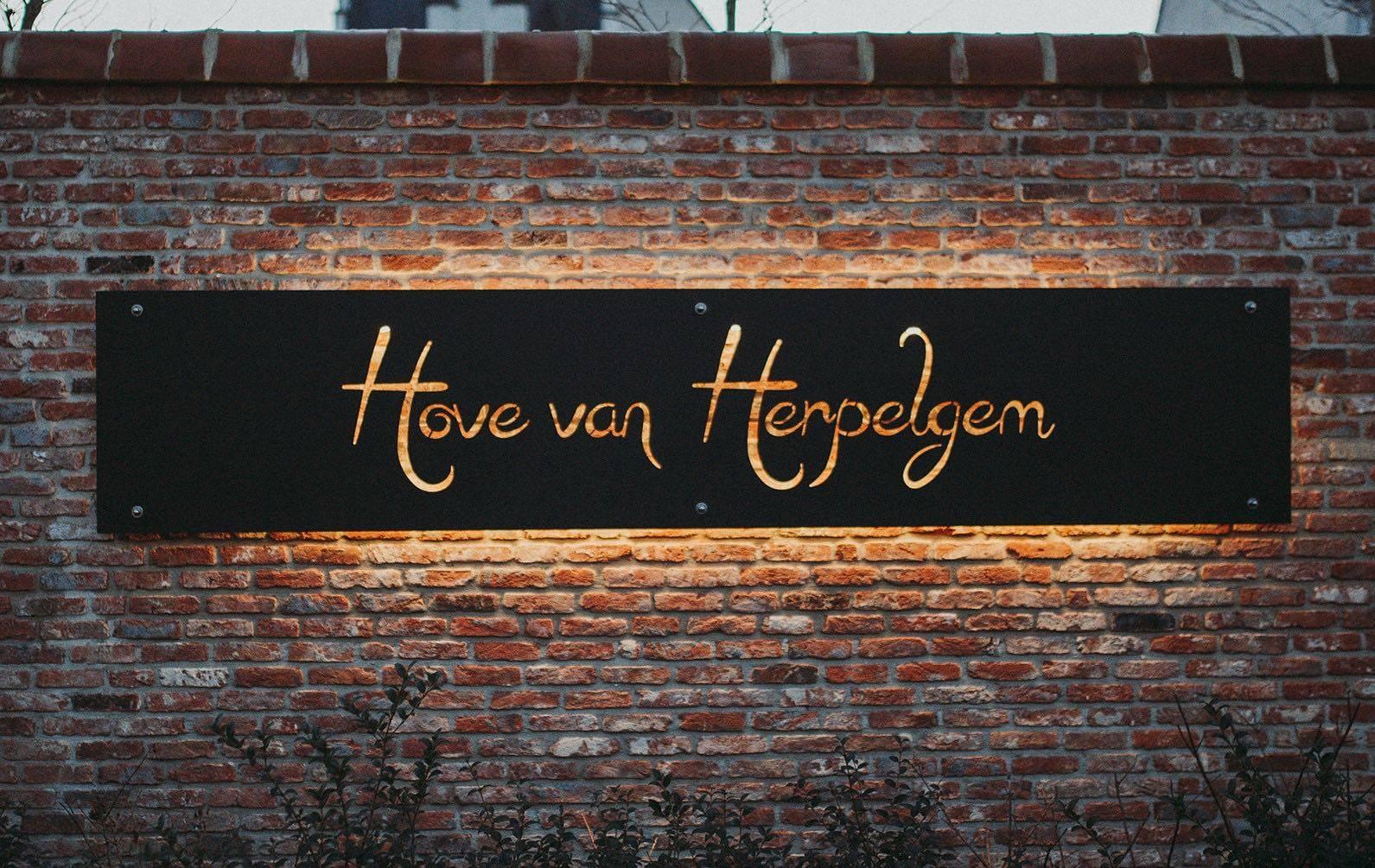 Hove van Herpelgem - Feestzaal Kluisbergen - Trouwzaal - House of Weddings - 1