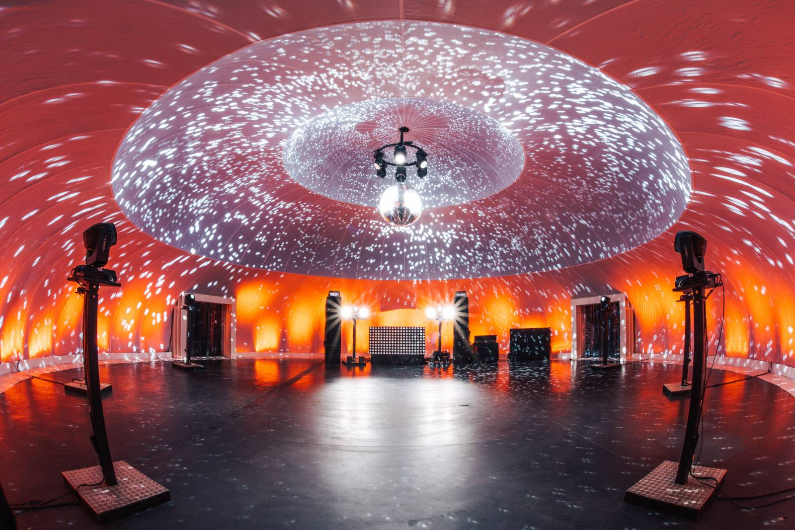 Insphere supersize indoor feesttent trouwlocatie huwelijk house of weddings (3)