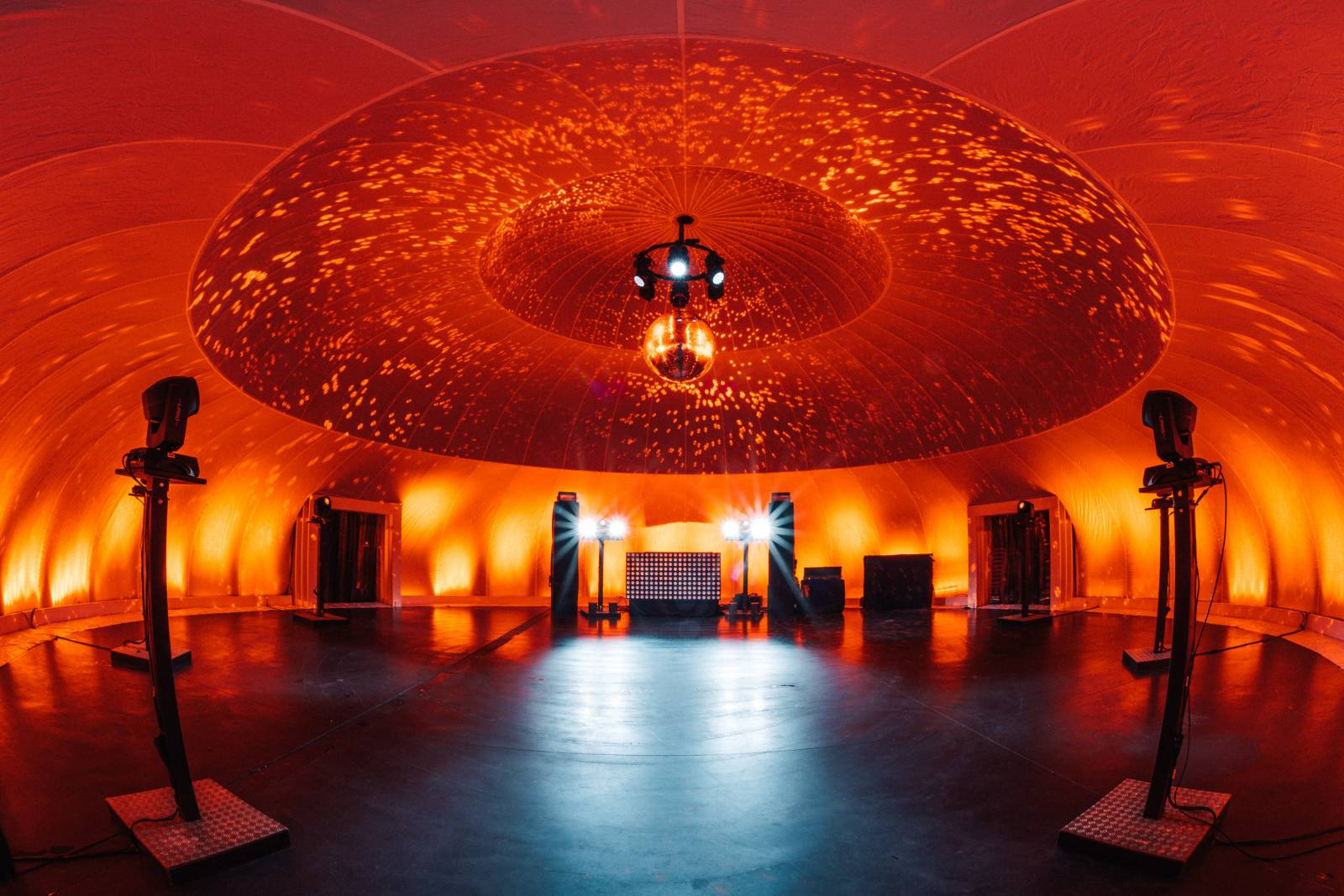 Insphere supersize indoor feesttent trouwlocatie huwelijk house of weddings (4)