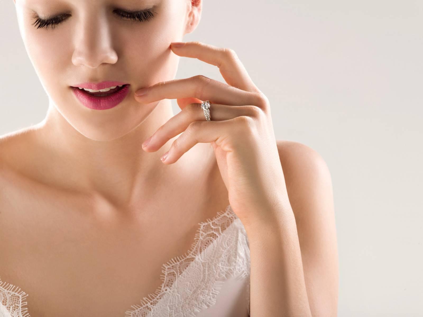 Juwelier Martens - Verlovingsringen - Trouwringen - Juwelen huwelijk - House of Weddings - 8