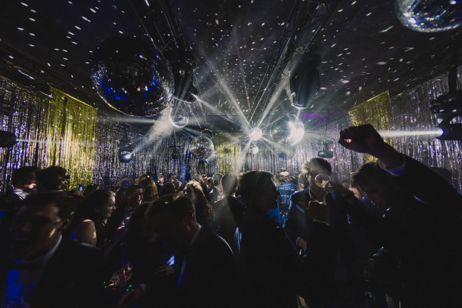 Kasteel van Ingelmunster - Feestzaal - Fotograaf Leyla Hesna - House of Weddings (17)