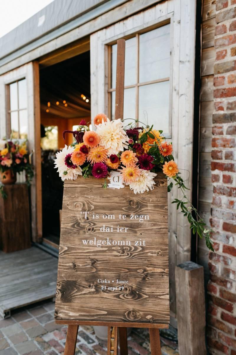 Maison Julie - Bruidsboeket - Bloemen huwelijk trouw bruiloft - Ciska & Jimte - Fotograaf Mathias Hannes - House of Weddings - 11