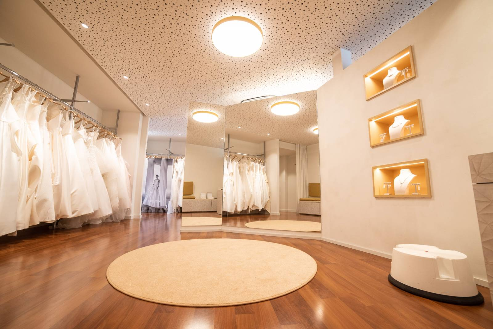 Moderna - Bruidsmode winkel - Dilbeek - House of Weddings - 2