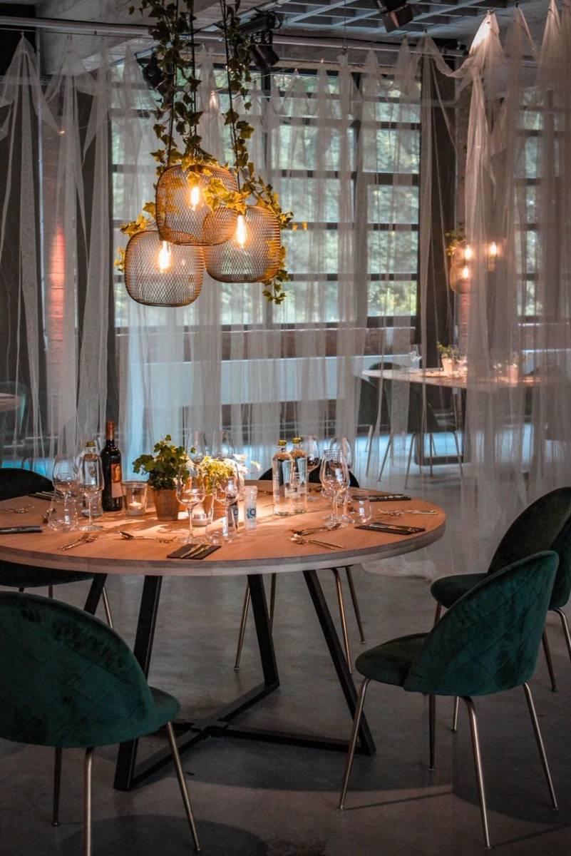 Oak tafel rond - Verona groen - Carte Blanche & A point (3)