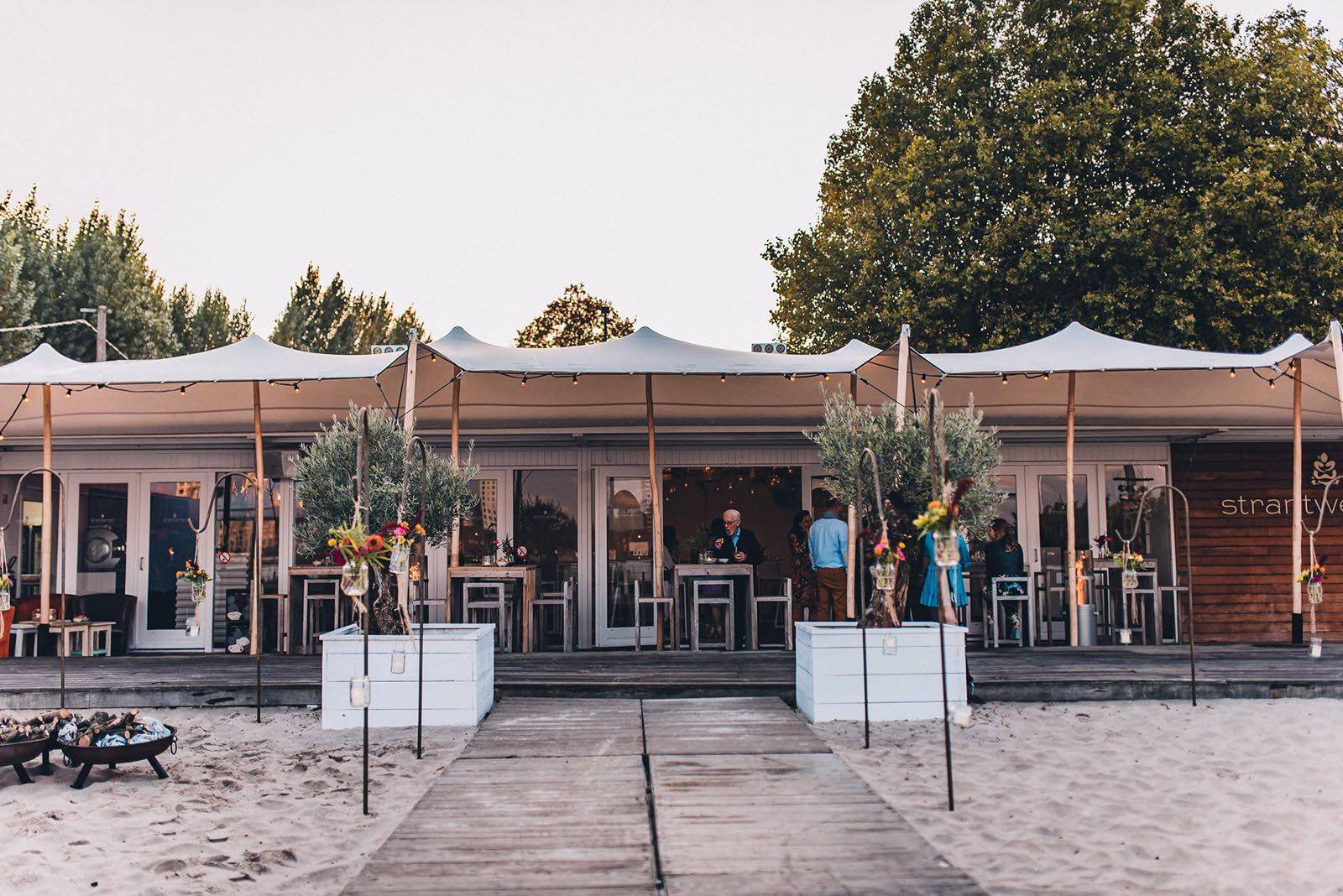 Strantwerpen - Feestzaal - Trouwzaal - Trouwen op het Strand - Fotograaf Aiki Photography - House of Weddings - 1