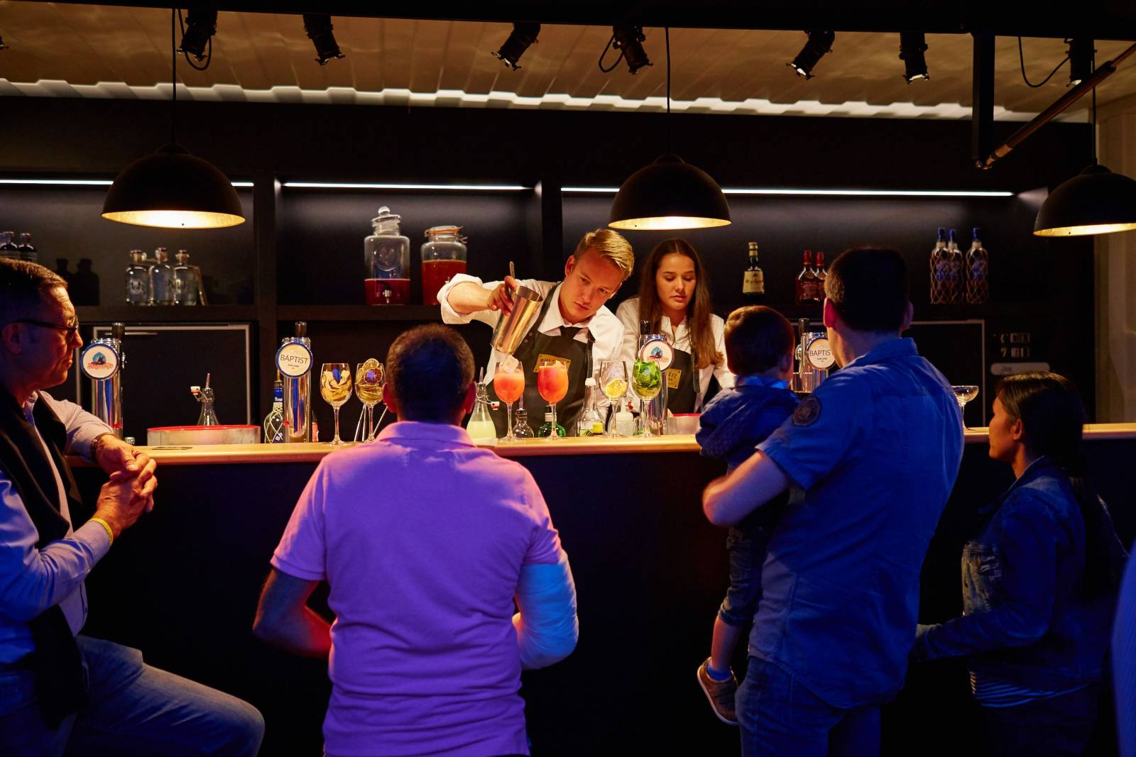The Box Popup Bar | House of Weddings - 26