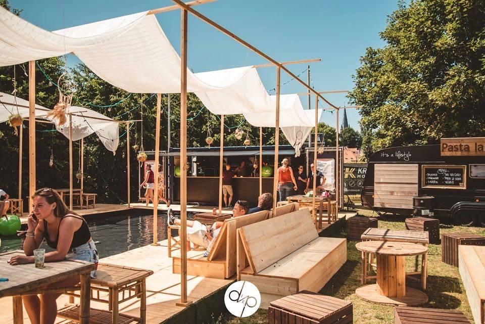 The Box Popup Bar | House of Weddings - 59