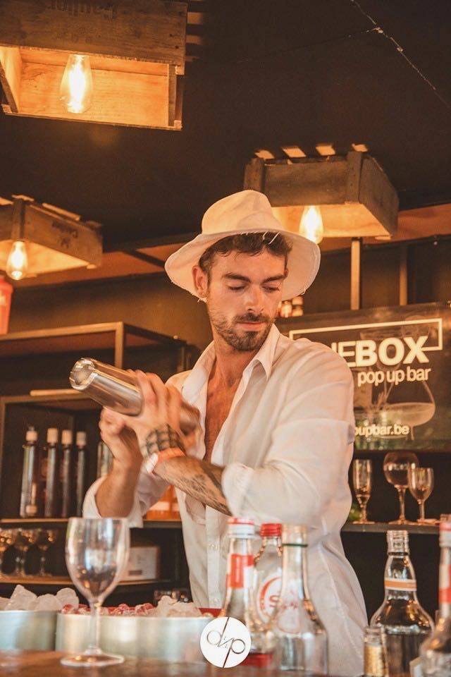 The Box Popup Bar | House of Weddings - 62