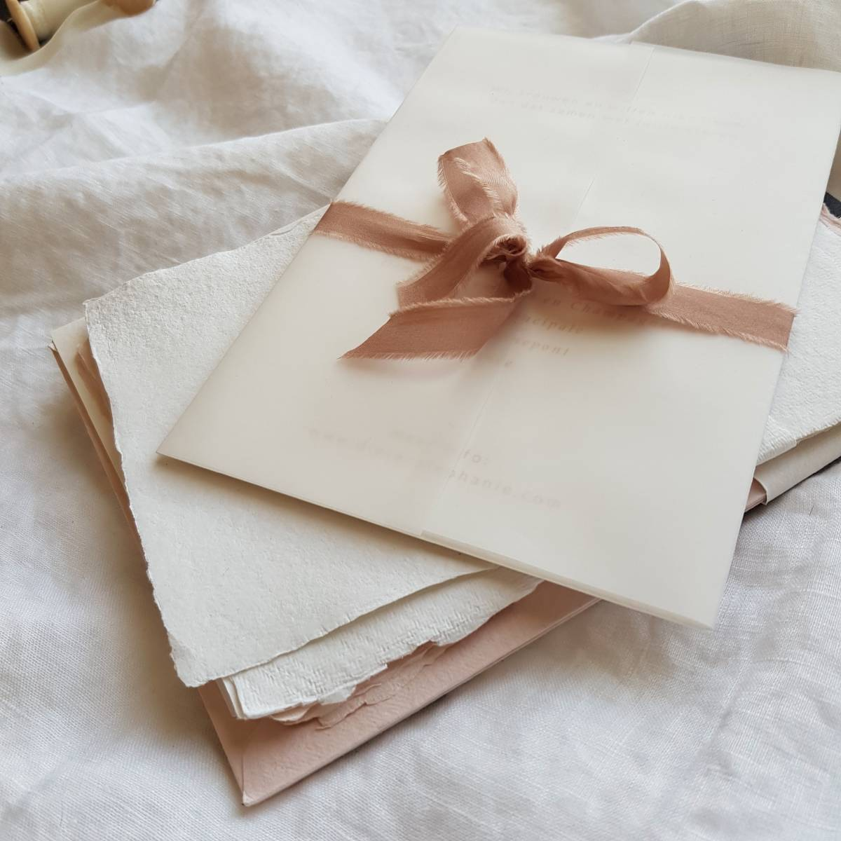 Touch of Gold - Trouwuitnodiging - Huwelijksuitnodiging - Kalligrafie - House of Weddings - 10