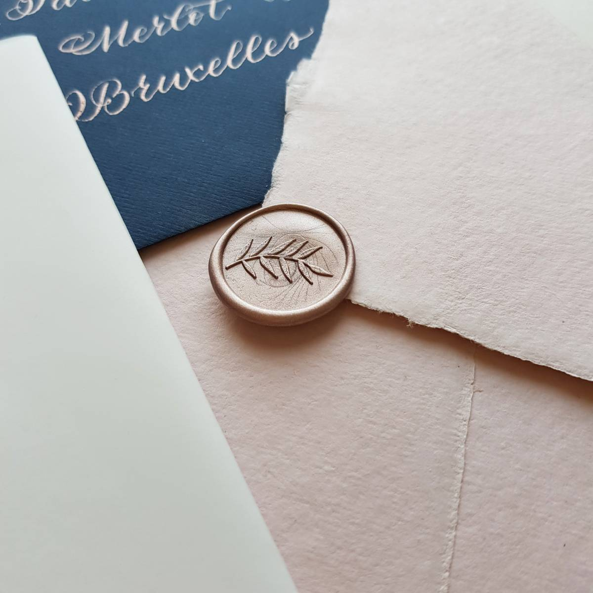 Touch of Gold - Trouwuitnodiging - Huwelijksuitnodiging - Kalligrafie - House of Weddings - 14