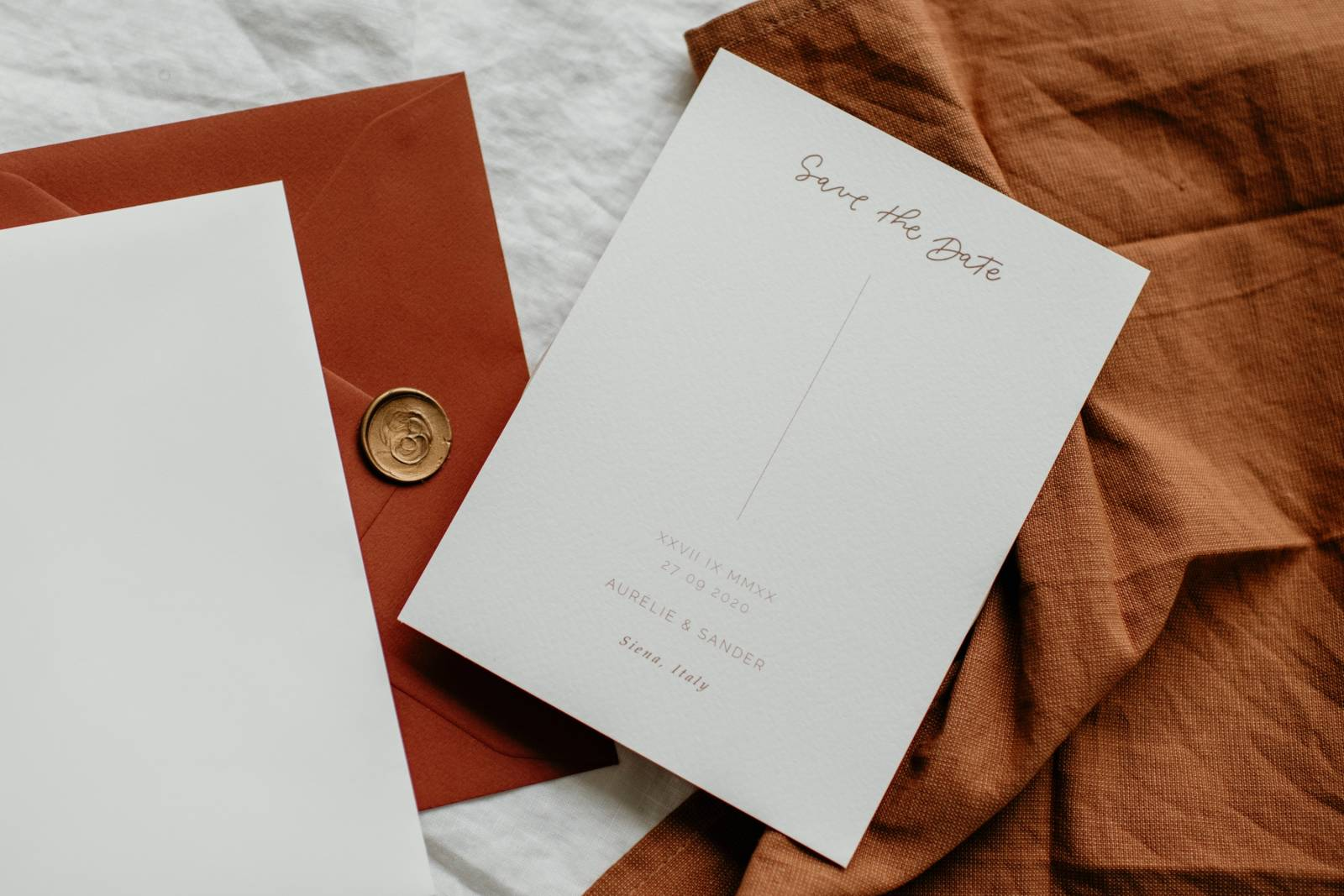 Touch of Gold - Trouwuitnodiging - Huwelijksuitnodiging - Kalligrafie - House of Weddings - 29