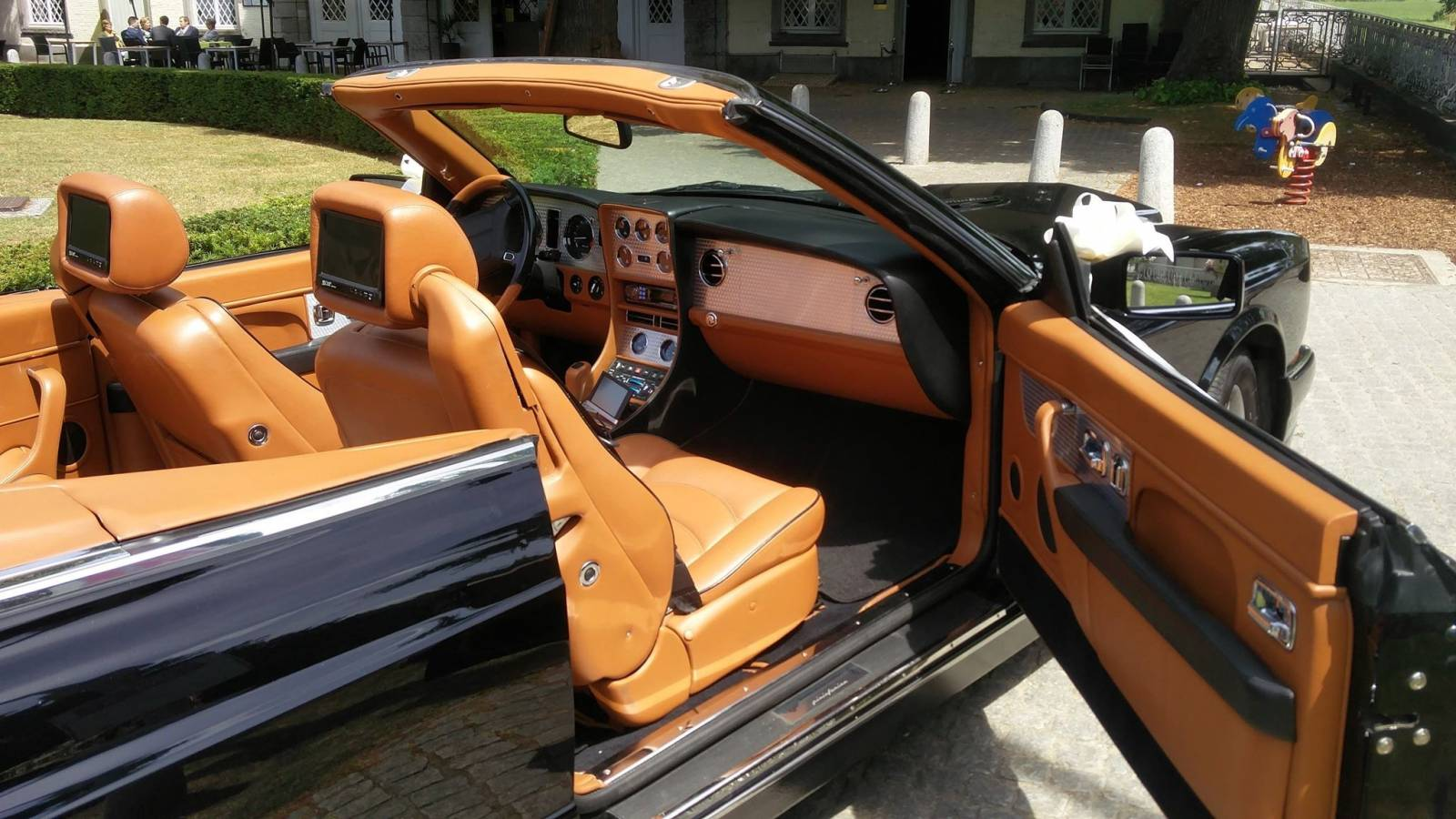 Van Noten Ceremonies - Trouwvervoer - Bentley Azure Cabrio - House of Weddings - 9