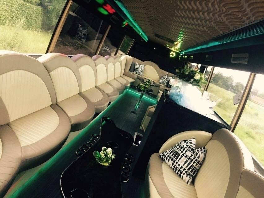 VIP Lounge - Trouwvervoer - Ceremonievervoer -  House of Weddings - 6