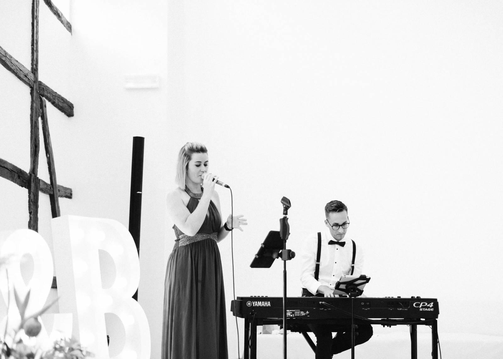 Zina - Ceremoniemuziek - Live muziek - Zangeres - Huwelijk - Trouw - Bruiloft - House of Weddings - 14