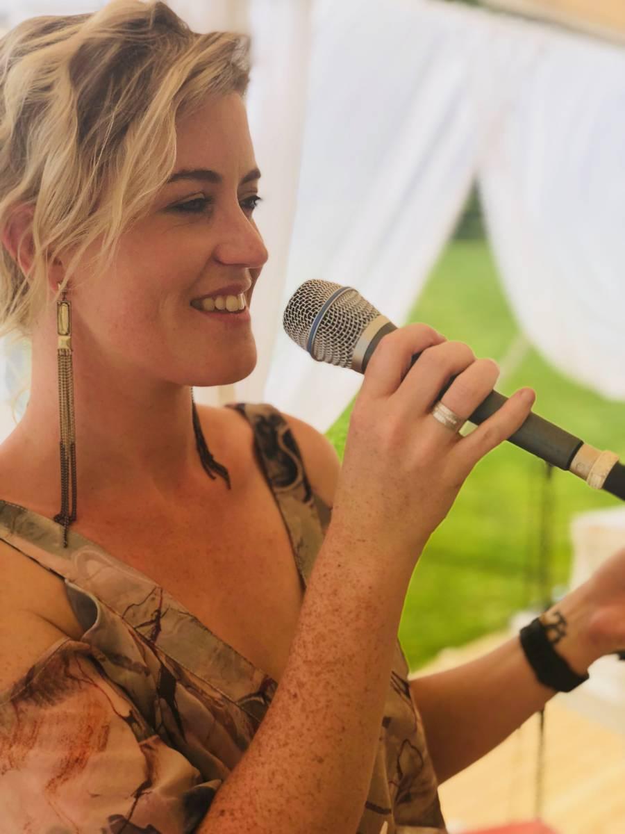 Zina - Ceremoniemuziek - Live muziek - Zangeres - Huwelijk - Trouw - Bruiloft - House of Weddings - 7