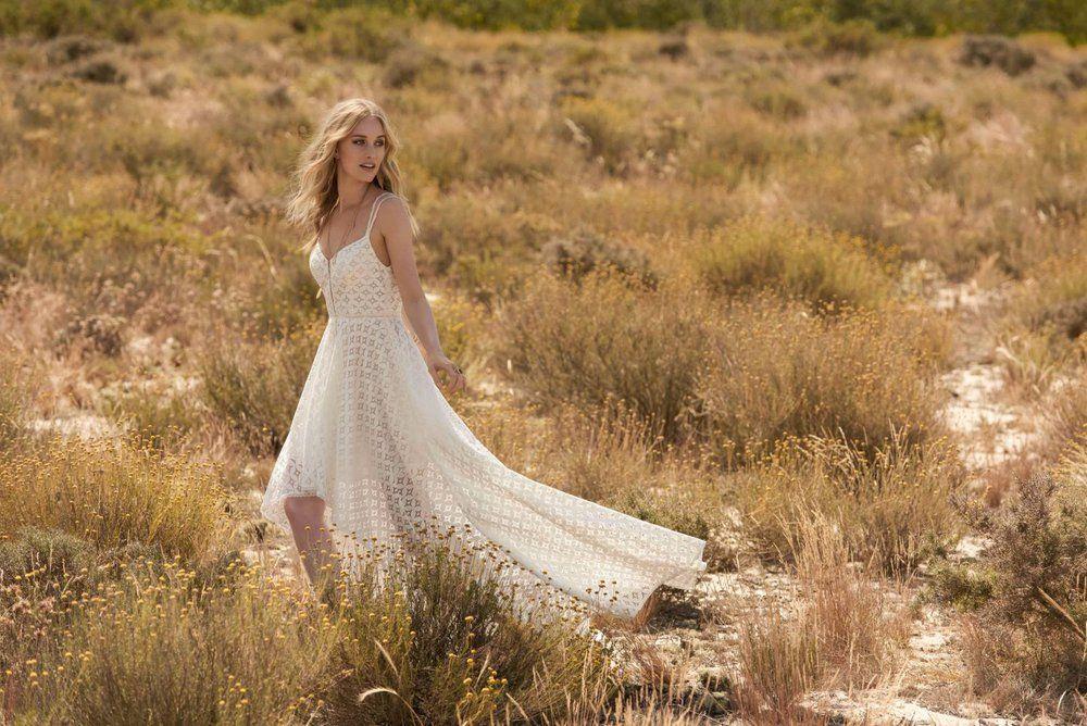 la-sposa-clothing-rembo-styling-house-of-weddings-6-5b03c3914aacc_3da1b5e7de55cfcdd4431e171baa16dc