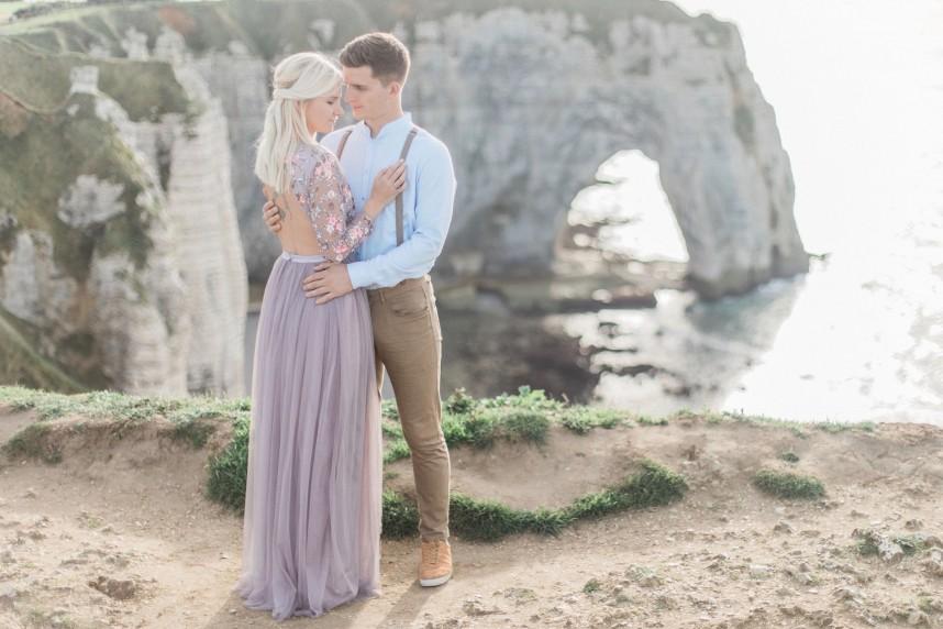 Elisabeth Van Lent - Wedding Photographer - Étretat Engagement Shoot - House of Weddings  - 20
