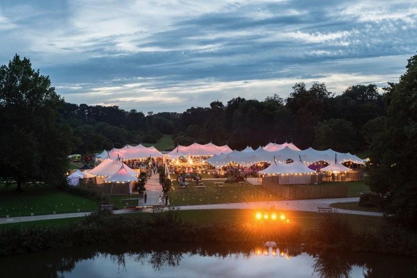 organic-concept-feesttenten-omslag-house-of-weddings-5b6d8bf8e42bb_51457d5635d26c09eced8c33d08d3646